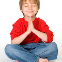kind aan het mediteren